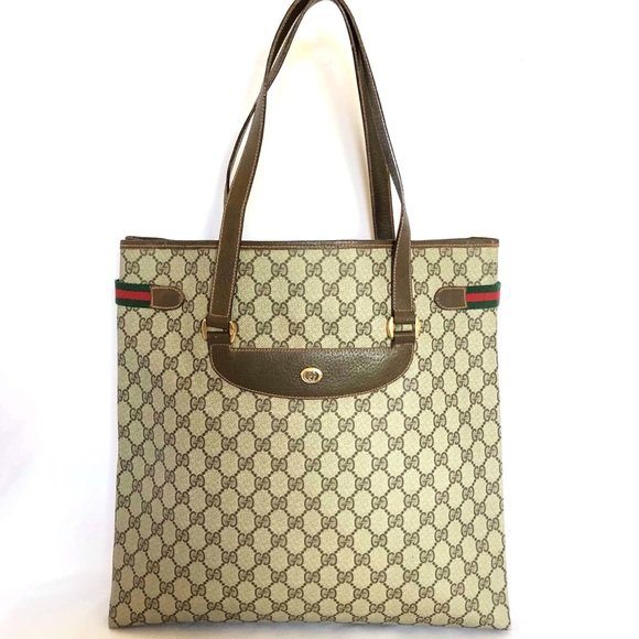 Gucci Handbags - Gucci Vintage GG Supreme Tote Bag